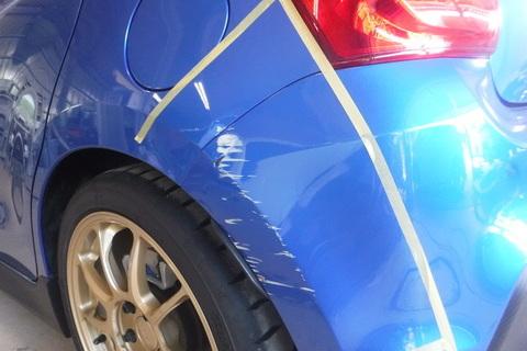 スイフト 左リヤフェンダー リヤバンパー 板金塗装 キズへこみ修理 柏市 S様